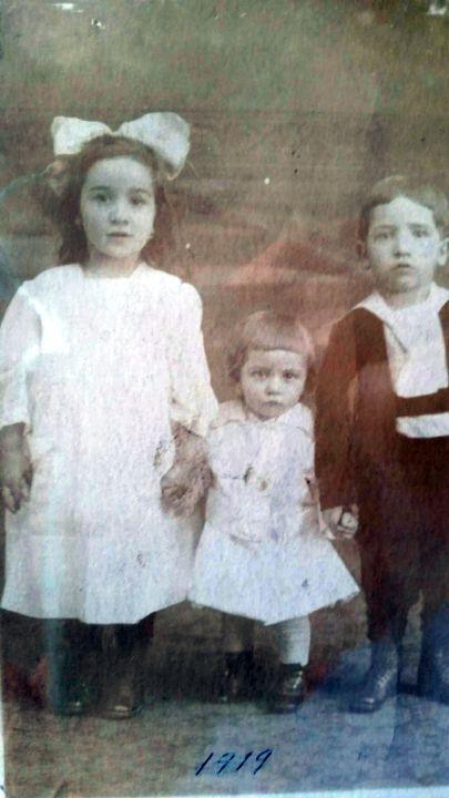 Laura Lipari, Aunt Virginia Curro and Uncle Tom Curro